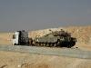 Militärtransport in der Negev Wüste - Israel